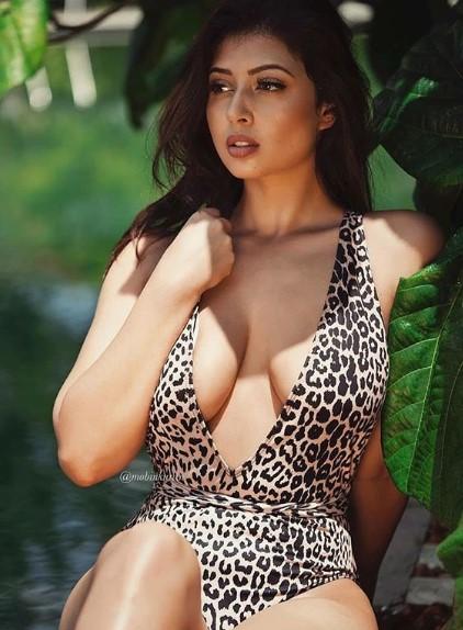 Sexy model Kolkata